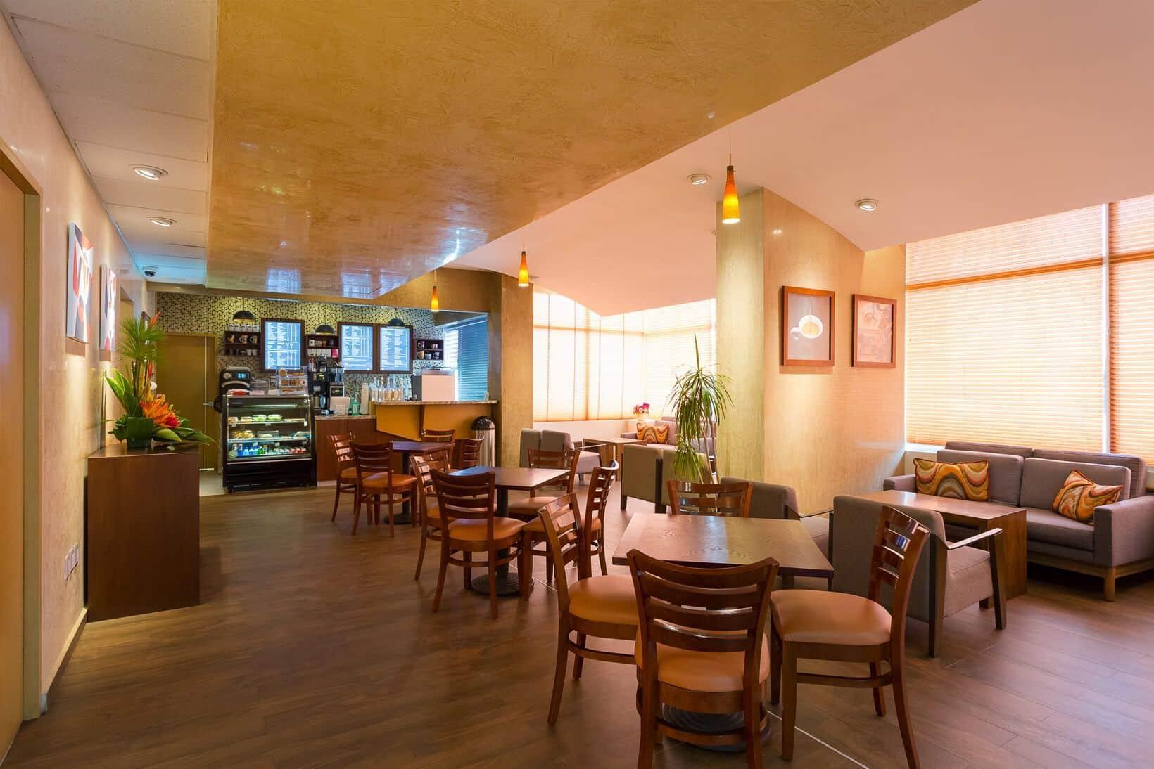 CMQ Premiere Cafeteria
