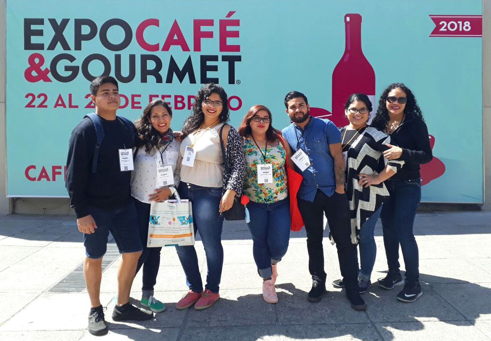 From left to right: Pablo, Karla, Niza, Alejandra, Ricardo, Laisa and Lety.