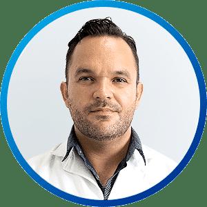 Dr Sigifredo López, Cirujano Maxilofacial