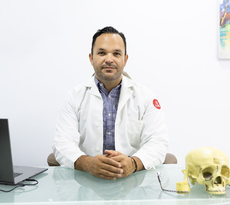 Sigifredo Lopez, Oral and Maxilofacial Surgery, MD