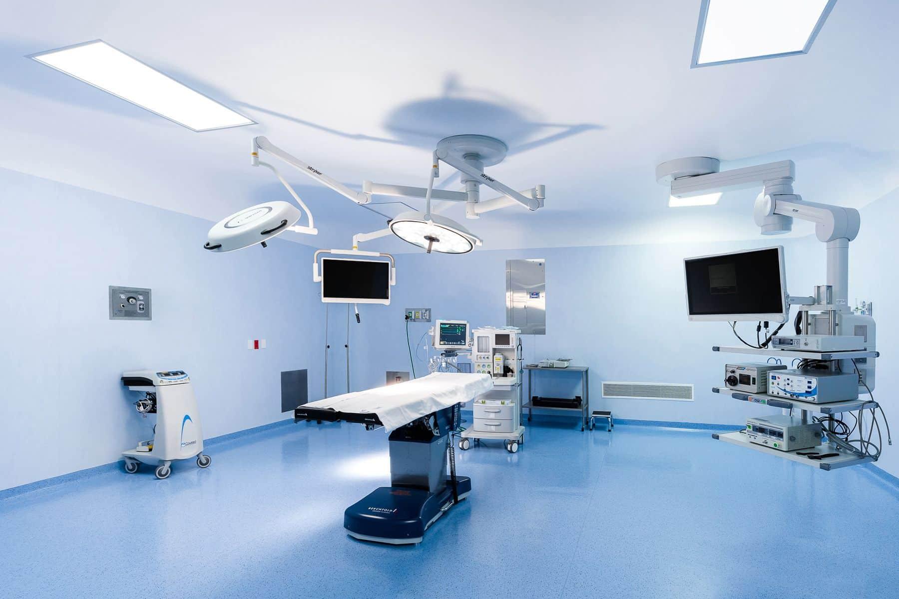 Hospital CMQ Riviera Nayarit cuenta con amplios quirofanos totalmente equipados