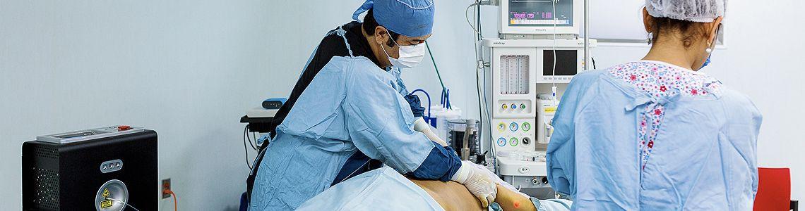Pros y Contras de la Cirugía de Liposucción